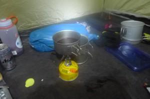 テント内調理