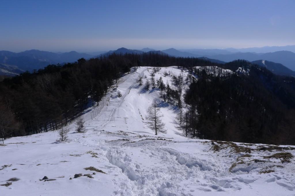 冬の石尾根縦走路
